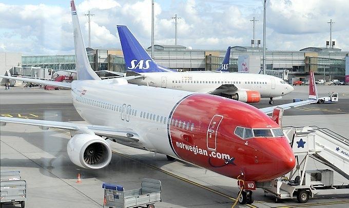 flyplassen orgie dating russiske hekkende dukker