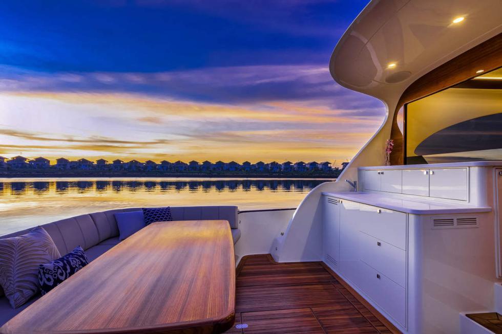 Piccolo patio: c'è uno spazio sul retro della barca e uno spazio sul fondo del ponte.  Foto: Palm Beach