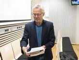 Språkforsker Sylvester Lomheim vitnet under rettssaken mot Laila Anita Bertissen i sal 250 i Oslo tingrett fredag.  Foto: Berit Rold / NTB