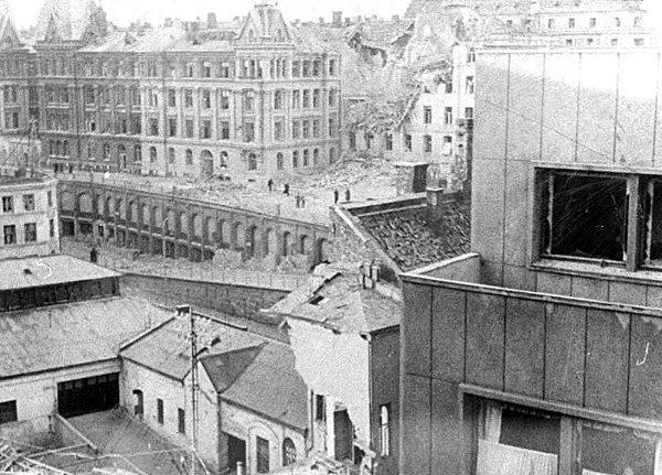 IV (09) Bombingen av Victoria terrasse