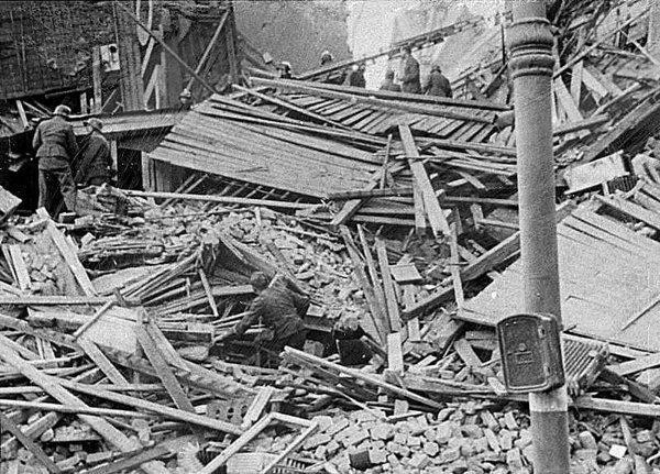 V (11) Bombingen av Victoria terrasse