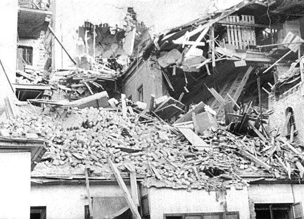 VI (15) Bombingen av Victoria terrasse