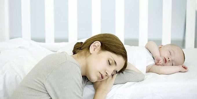 abf10096 BARN OG SØVN: De aller fleste foreldre har strevd seg gjennom noen søvnløse  netter.