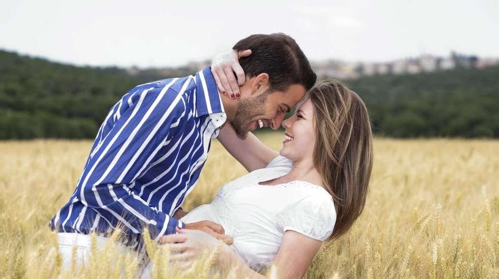 leter du etter kvinnelige for meg og min mann