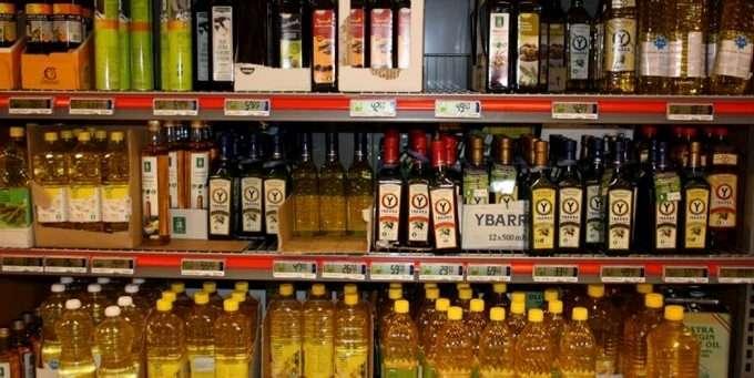 939cfa52 Lurer du på hvilken olje som passer til steking og hvilken som smaker best  i dressingen? Vi guider deg gjennom jungelen av matoljer.