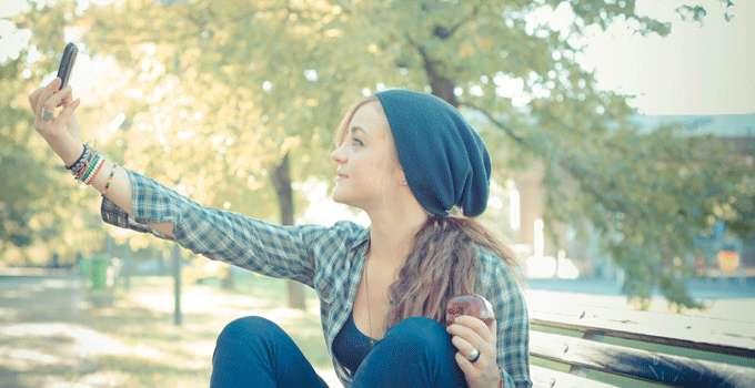 42dfb9dd3 13 tips til å ta fine bilder av seg selv | ABC Nyheter