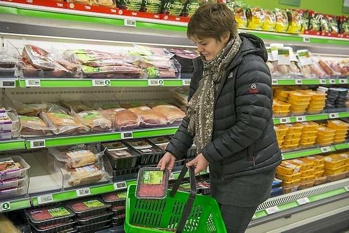 eb706df54 Dagligvarekjede fjerner salt og vann fra kjøttdeig   ABC Nyheter