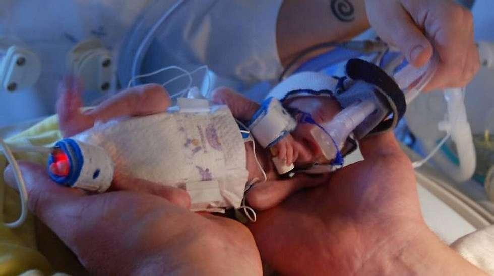 3f979ba7 Dette barnet blir ikke lenge i magen, sa legene   ABC Nyheter