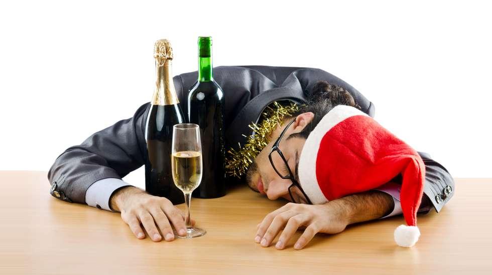 963a7824 70 prosent av alle nordmenn skal på julebord i i år, og over halvparten av  de