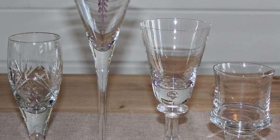 384a2a8f Disse to porselens-tallerknene skal ikke vaskes på samme måte | ABC ...