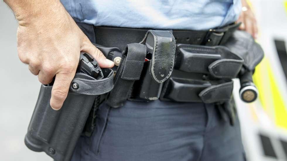 e6505fac Eksplosiv økning i politiets våpenbruk   ABC Nyheter
