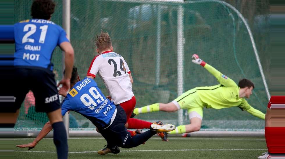 b1158d53 divisjonslaget Ullern, men spilte seg likevel videre til andre runde i  fotball-NM med 5-3 etter ekstraomganger.