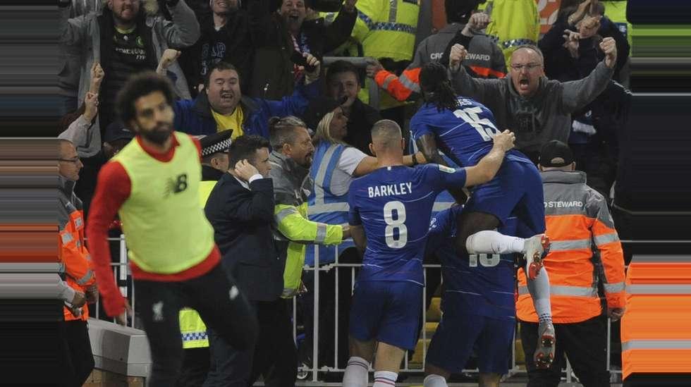 d3911317 Eden Hazard kom inn fra benken og la opp til utligningen før han scoret et  vidunderlig vinnermål da Chelsea slo Liverpool ut av ligacupen med 2-1.