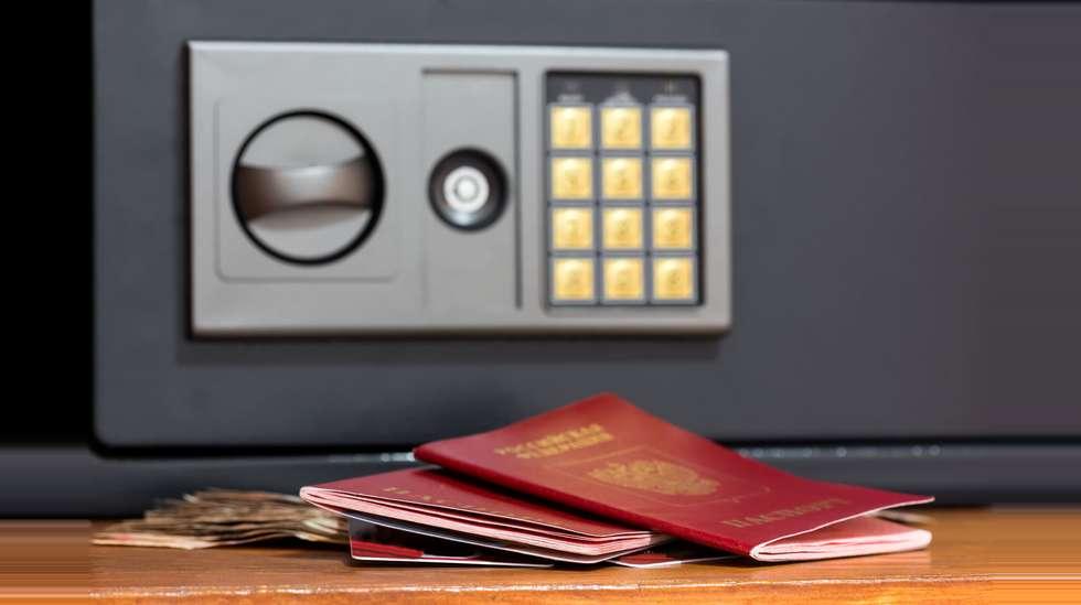 6d1b47db <p>Er du redd for å glemme pass og andre verdisaker i hotellsafen når