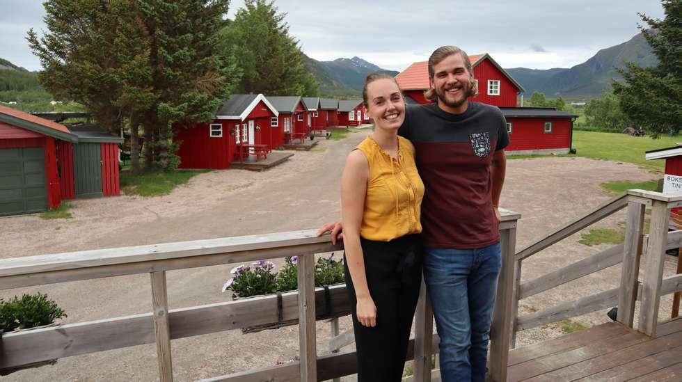 5b49b54f Ni måneder etter at to fremmede forelsket seg på et hostell i Rio de  Janeiro, kjøpte de en campingplass i en nordnorsk bygd med 300 innbyggere.