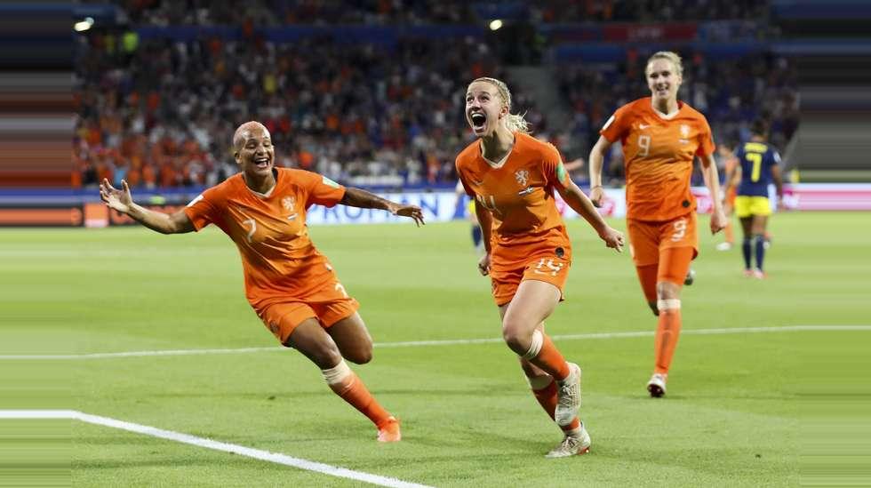 7a9e26fb Nederland er klare for VM-finale mot USA etter å ha slått Sverige 1-0 i  semifinalen onsdag. Jackie Groenen ble matchvinner i første ekstraomgang.