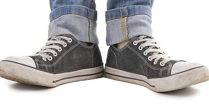 Slik fjerner du vond lukt fra skoene   ABC Nyheter