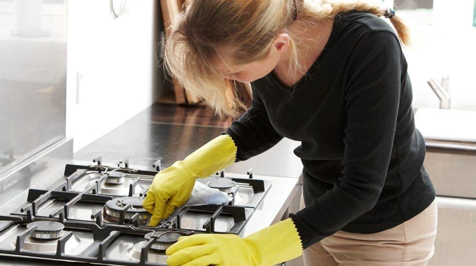Slik takler du de skitneste jobbene på kjøkkenet   ABC Nyheter