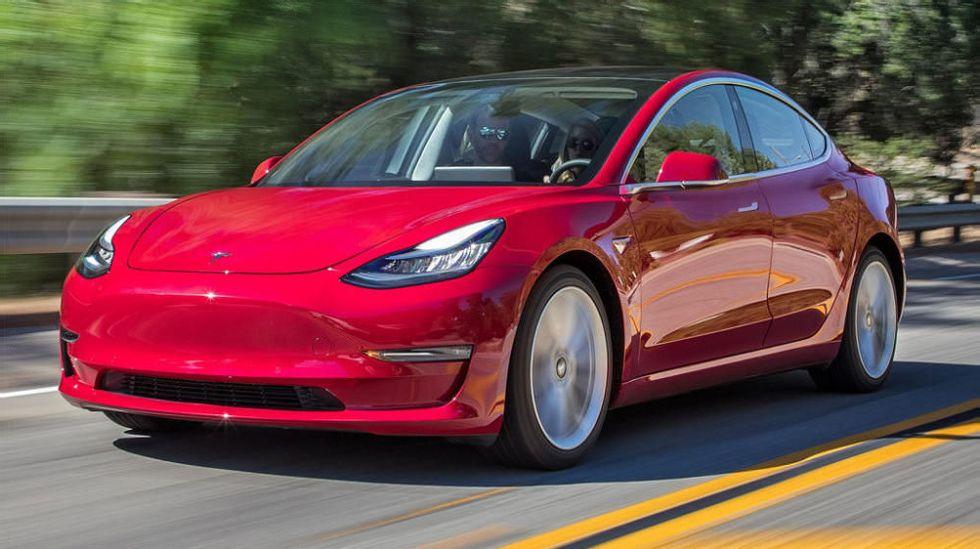 Tesla slår konkurrentene, igjen: Blir fulladet på 15