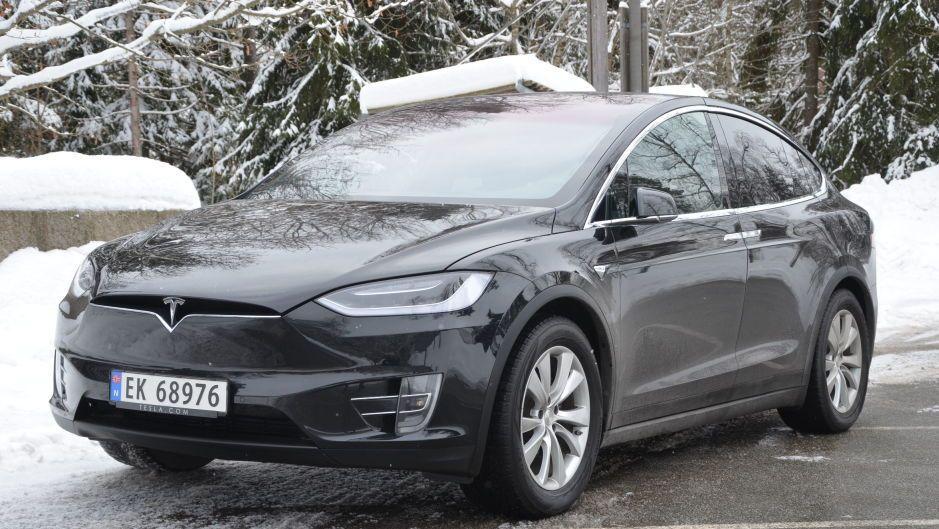 Tesla med campingvogn: Dette kan bli et vanlig syn i sommer