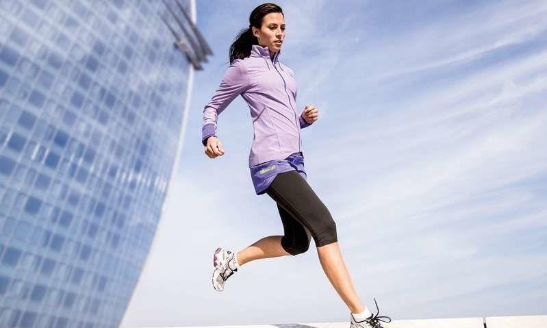 Løpejakker: Vinneren er både lett, vindtett og solid   ABC
