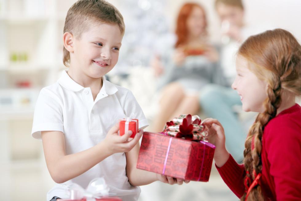 Gaver til barn: 8-12 år jente og gutt | ABC Nyheter