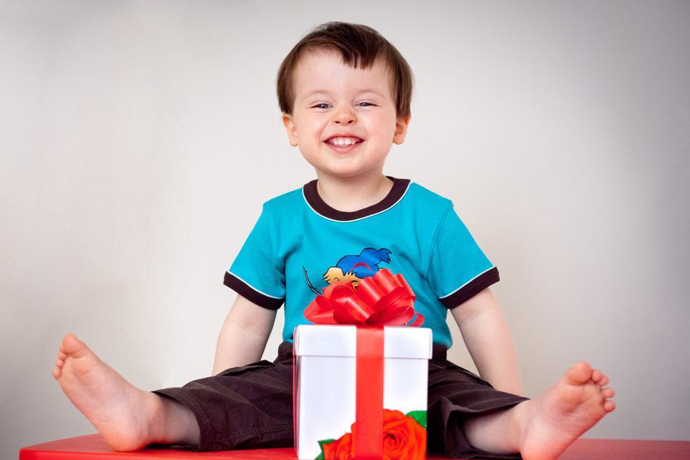 Gaver til barn: 1 til 3 år gutt og jente | ABC Nyheter